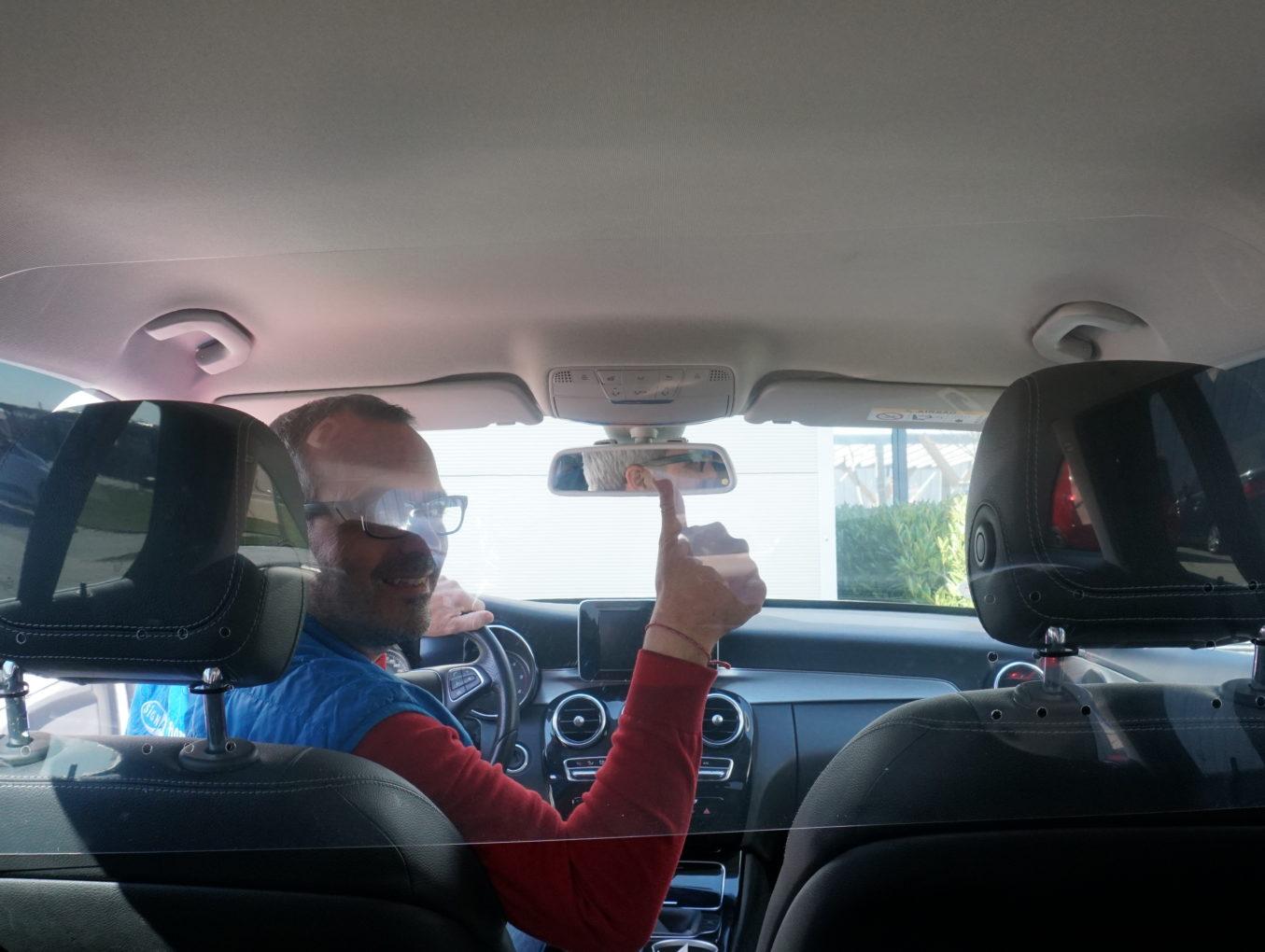 Taxi Schutzscheibe wird vom Staat bezahlt