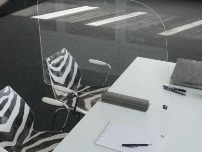 Bundesanstalt für Arbeitsschutz und Arbeitsmedizin rät zu Schutzwand am Arbeitsplatz