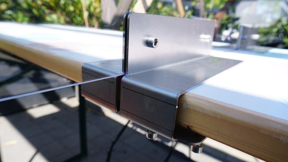 Detailansicht Schutzwand Tisch